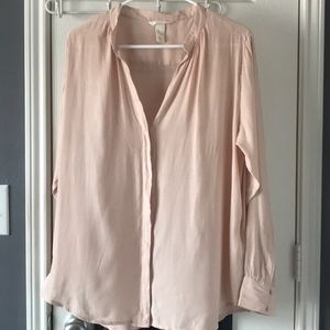 NEW LISTING! H&M pale pink blouse